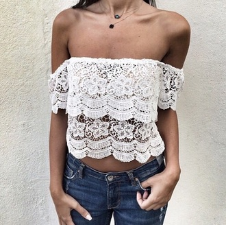 blouse white white crop tops lace without shoulder lace without shoulder white t-shirt