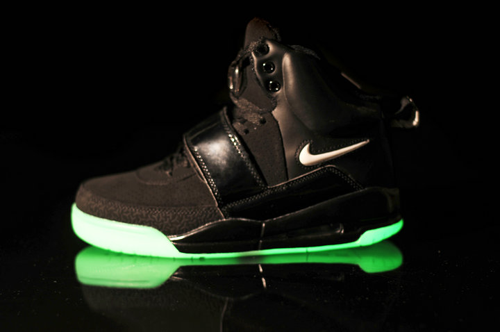 Nike Glow In The Dark Running Shoes November 2017