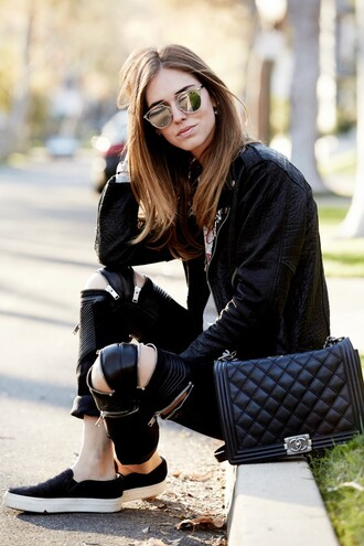 the blonde salad blogger jacket bag sunglasses mirrored sunglasses leather pants vans quilted leather jacket quilted bag shoes