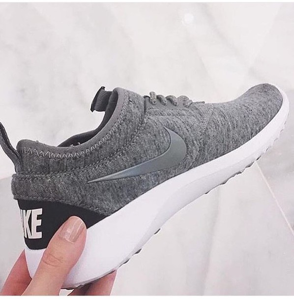 nike low top sneakers