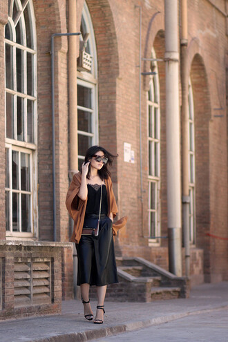 fake leather blogger tank top cardigan shoes bag sunglasses