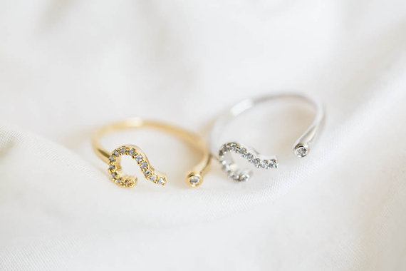Question mark knuckle ringpinky ringscz ring door lettersearring
