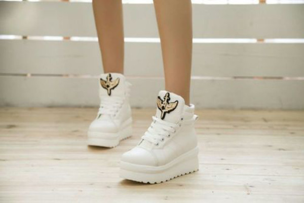 shoes white platform sneakers sneakers high heeled sneakers platform sneakers white sneakers black canvas platform shoes creepers casual leather sneakers leather canvas hippie
