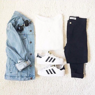 sweater black and white white white sweater black black jeans adidas adidas superstars sunglasses rayban denim jacket jacket blue