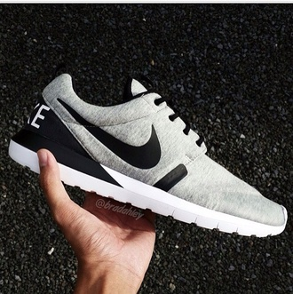 shoes nike running shoes nike sneakers nike air nike shoes nike free run roshe runs running shoes athletic grey comfy unisex