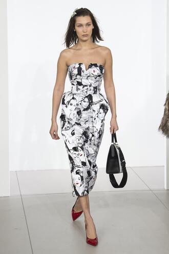 dress black and white bella hadid midi dress ny fashion week 2018 fashion week michael kors strapless model