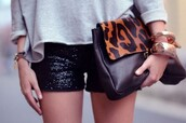 bag,pochette,leopard print,leather bag,animal print bag