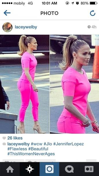 t-shirt jennifer lopez pink jeans