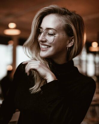 tumblr clear sunnies blonde hair sweater black sweater earrings silver earrings silver jewelry jewels jewelry nerd glasses clear lens sunglasses