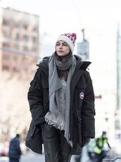 jacket,canada goose,coat,winter outfits,winter coat,scarf,grey scarf,pants,beanie,black coat