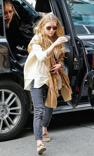 jeans blouse shoes mary kate olsen olsen sisters scarf