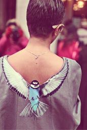 blouse,birds,shirt,wings,cool,bird shirt,clothes,women,swallow,dress,grey,beautiful,incredible,sweater,hipster,hippie,flying birds,birds top,birds shirt,cute,open back,animal,animals,sweatshirt,sexy sweater,hipsta,grey sweater,backless,backless sweater,bird top,blue and white,grey top,bow pullover,t-shirt,top,back,streetstyle,nature,tumblr,tumblr clothes,necklace,v neck,bird grey