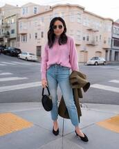sweater,knitted sweater,knitwear,pink sweater,jeans,high waisted jeans,pumps,handbag,coat,sunglasses,earrings