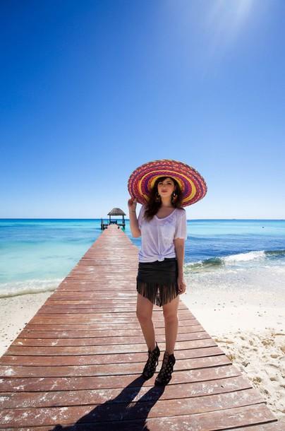 betty blogger white t-shirt fringes black skirt hat t-shirt skirt shoes jewels