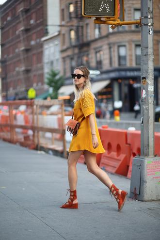 the fashion guitar blogger dress mustard zara spring dress