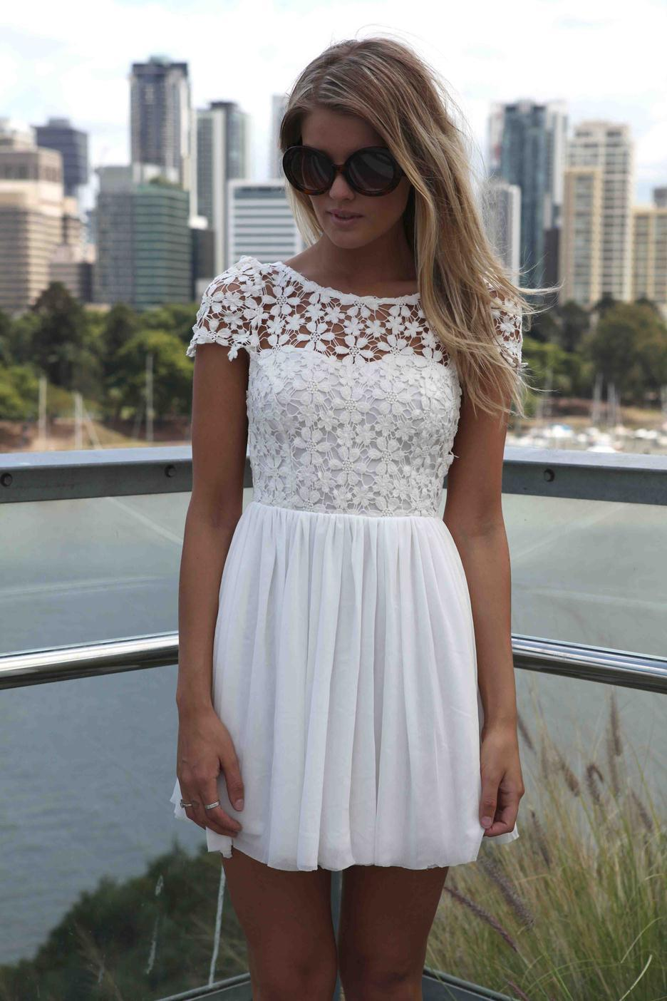 Summer 2014 New Designer Saias Fashion Femininas Casual White Short Sleeve Club Floral Party Crochet Pleated Lace Dress Women-in Dresses from Apparel & Accessories on Aliexpress.com