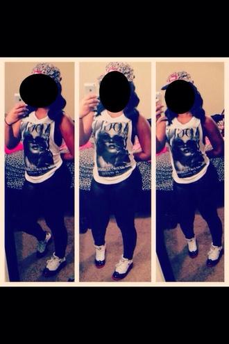 marilyn monroe style shirt jordan shoes tights black white tank top