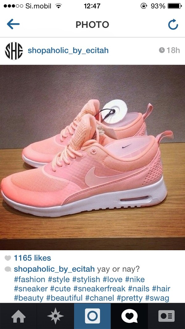 nike air max thea atomic pink and white nails