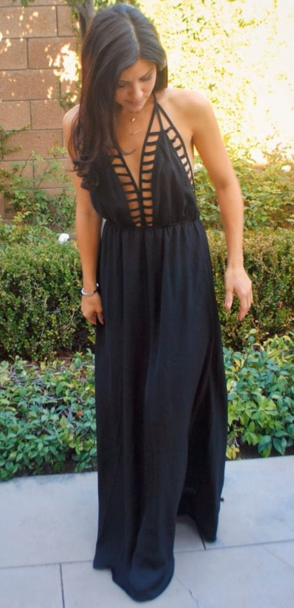 dress maxi black maxi dress sexy elegant summer summer dress long holes black dress long dress black dress cut-out maxi skirt cute dress love pretty cut-out dress backless dress exact dress i am looking for the exactly same halter neck halter dress