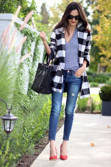 frankie hearts fashion blogger sunglasses bag jeans t-shirt flannel coat