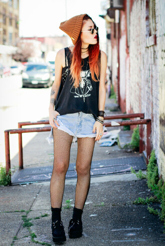 le happy t-shirt beanie orange orange beanie tank top tattoo denim denim shorts high waisted shorts tights bracelets jewels sunglasses round sunglasses grunge goth hipster hipster nail polish ring underwear shorts