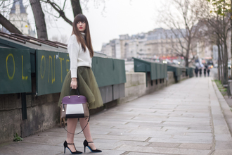 meet me in paree blogger sweater skirt bag shoes