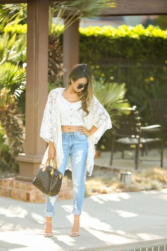 cardigan kimono white kimono light blue boyrfriend jeans white crop tops bag sunglasses fringe shoes