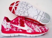 shoes,red,white,sports shoes,womens shoes,nike running shoes,nike free run,tie dye,red and white striped