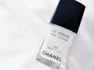 nail polish chanel white nail