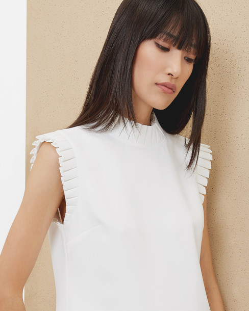 top pleated