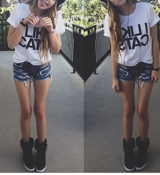 shoes black white blue shorts t-shirt high waisted denim shorts grumpy cat cats hat black boots flat boots