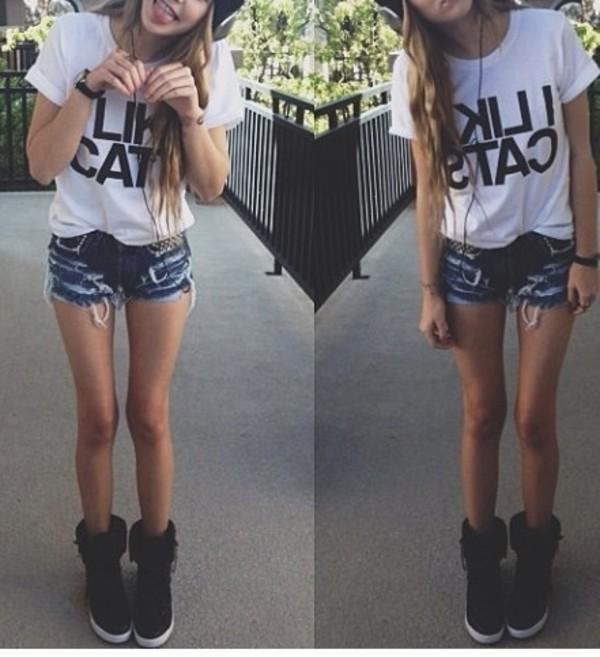 shoes black white blue shorts t-shirt high waisted denim shorts grumpy cat cats hat black boots flat boots