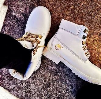 shoes timberland blanc chaussures white gold white timbs dope boots chain timbalands white women very rare chain timberland winter boots tim's boots custom timberlands white timberlands men timberland white timberland boots