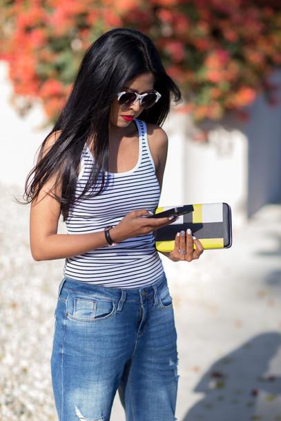 walk in wonderland t-shirt jeans bag shoes sunglasses jewels