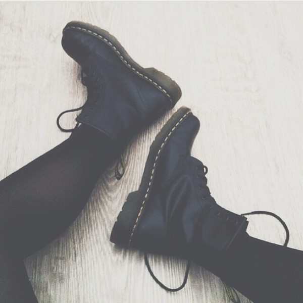 shoes DrMartens black