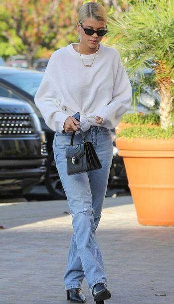 sweater jeans denim sofia richie model off-duty fall outfits streetstyle