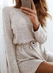 dress,girl,sweater,comfy,cozy,beige,pastel,light,cream,pajamas,sleep,fall outfits,romper,long sleeves,grey,drawstring