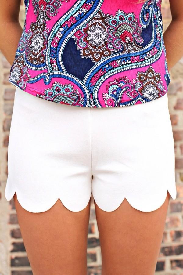 shorts scalloped edges white