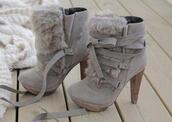 shoes,boots,undefined,medium heels,fur,platform shoes,fall outfits,grey