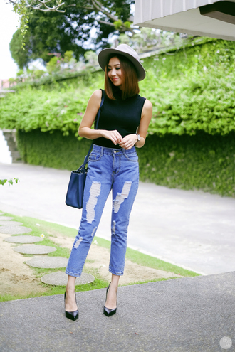 kryzuy blogger jeans mom jeans high waisted jeans ripped jeans sleeveless black top