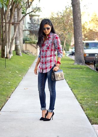walk in wonderland t-shirt jeans bag shoes jewels sunglasses