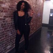 jacket,chloe vero,model,curvy,plus size,leather jacket,black leather jacket,black jacket,top,black top,leggings,black leggings