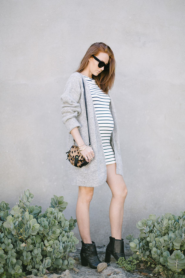 could i have that blogger cardigan shoes bag sunglasses jewels