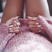 jewels,nail polish,hippie,hipster,swag,sweater,make-up,tattoo,gold,fashion