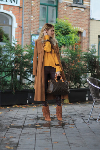 from brussels with love blogger sweater leggings shoes bag jewels fall outfits yellow sweater louis vuitton handbag louis vuitton bag boots fringe shoes coat