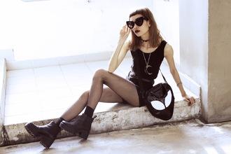 bloody rosess blogger top shorts alien grunge cat eye moon