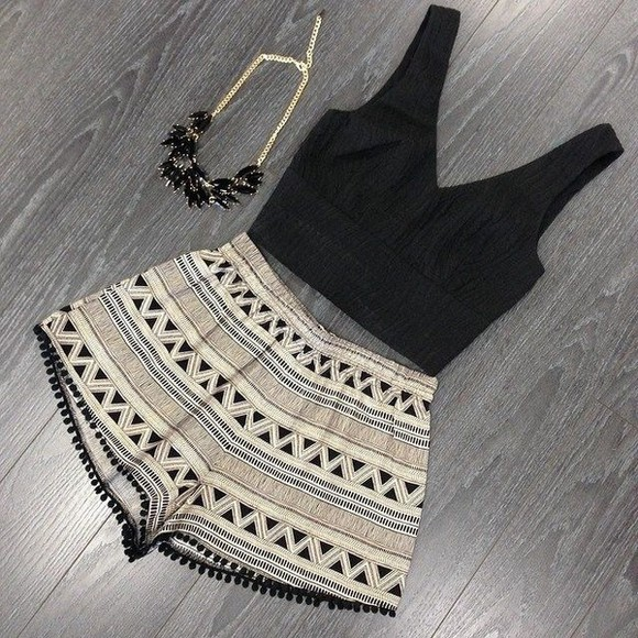 aztec shorts black print tank top necklace