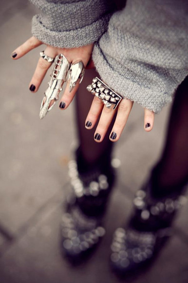 ring armor ring jewels punk alternative sweater studs accessory accessories black silver nail polish nails grey jewels. silver, swag girl