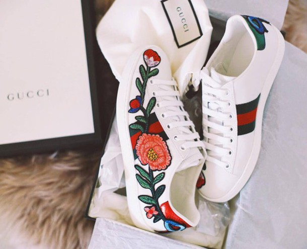 shoes  gucci ace sneakers  gucci  gucci shoes  floral sneakers  white sneakers  low top sneakers
