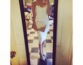 dress,lace dress,white dress,classy dress,party dress,bodycon dress,knee length dress,elegant dress,girly dress,white prom dress,hot,sexy dress,sassy,style,beyonce dress,chic dress,fashion